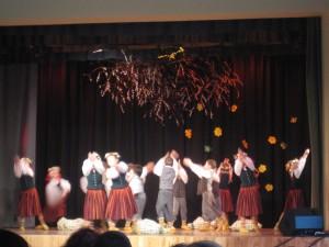 Iecavas internātpamatskolas dejotāji