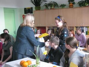 Pēcpusdienā ielūgtie dalībnieki saņem balvas